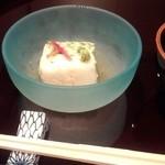 日本料理雲海 - 【初夏の会席】先附 オクラととろろ寄せ 美味出汁