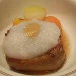 日本料理雲海 - 【初夏の会席】焚合 豚角煮 丸冬瓜 丸南瓜 丸人参 長芋掛け 水芥子