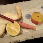 日本料理雲海 - 【初夏の会席】焼物 スズキ塩焼 新甘藷甘煮