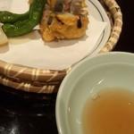 日本料理雲海 - 【初夏の会席】揚物 蓮根挟み揚げ 獅子唐素揚げ