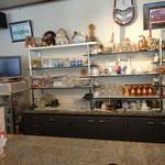 喫茶ラヴェンダー - 御影石のカウンター