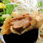 丼 お多福 - 冷しとり天うどん(870円) お肉にしっかり味がついたコクと甘みのジューシー「とり天」