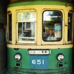19376085 - 江ノ電の旧車両がめり込んだお店。