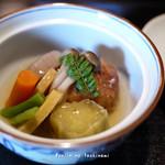 荒為 - 里芋まんじゅうと野菜の炊き合わせ