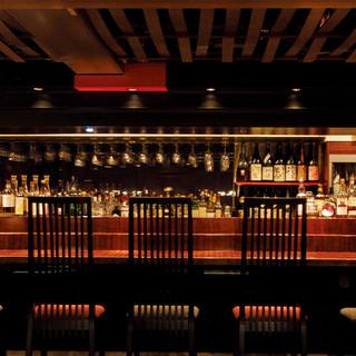 一番人気【BARカウンター】8席・和洋800酒類~料理60品