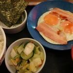 神戸らんぷ亭 - ベーコンエッグ定食:420円 (2013年5月)