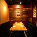 すりみや - 半個室風のボックス席は友人同士でもビジネスの会食にも最適。