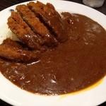 カレーハウス CoCo壱番屋 - メンチカツカレー。(ビーフソース、15辛)色の違いを見てください!