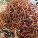 麺人 しょう太郎丸 - 油ーめん、麺のアップ