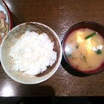 いざかや 漁火 - ご飯、お味噌汁