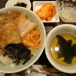 韓美膳 - 三元豚サムギョプサル丼