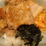 韓美膳 - サムギョプサル丼 アップ♪