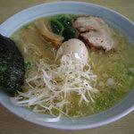 らーめん ふく田 - optio A30で撮影。鶏白湯ラーメン。
