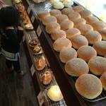 伊三郎製パン -