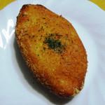 19401332 - 白金豚カレーパン