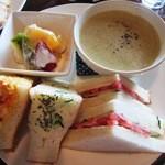 和蔵珈琲店 - サンドイッチセット(ゴボウと薩摩芋の豆乳スープver)