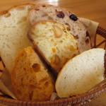 クラブハリエ ジュブリルタン - おかわりのパン(笑)