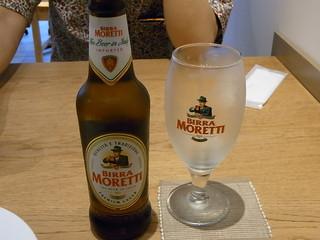 ヴルカーノ - 私の1杯目はイタリアのビール「モレッティ」¥480♪