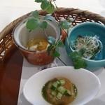 エルムガーデン - あべどりの香りやき、鱧と胡瓜の土佐酢寄せ