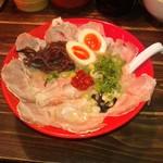 ばんび - 博多の赤+半熟煮玉子チャーシュー大盛