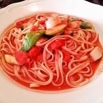 オステリア・カポ・エジリオ - 白身魚と有機野菜のペペロンチーノ