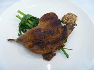 エピセ - ビュルゴー家シャラン鴨モモ肉のコンフィ