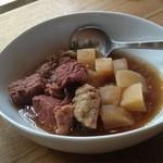 タイヒバン - 牛肉と大根の煮物