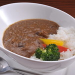 Ramu Tokyo - <馬すじカレー> 野菜と馬すじのうま味が ギュッと詰まった深い味わいが魅力。  熊本本店にない、 Ramu Tokyo麻布十番オリジナルメニューです。