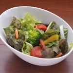 Ramu Tokyo - コースのサラダです。 ※盛り付けは一例です