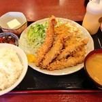 グリルフジサワ - 日替わりミックスフライ定食750円