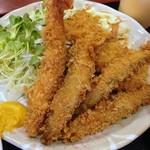 グリルフジサワ - 日替わりミックスフライ定食750円(海老フライと豚肉と玉ねぎ串揚げ、ししゃも3尾)