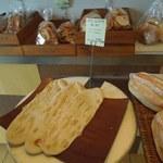 パンのなる木 - ちょっと個性的なパンもありました。