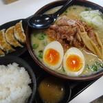 ら~麺処 豪屋 - トロ肉味噌ラーメン+ランチAセット
