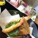 海の店ささき - 天ぷら定食と刺身。