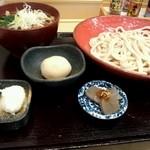 高円寺肉汁うどん 夕虹 - 肉汁うどん 並(\730)+煮玉子(\100)