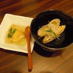 虎鉄 - 油物と伊勢産あさりのスープ仕立て♪ここまでが500円♪