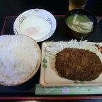お食事処 鶴の恩返し - メンチカツ定食(ご飯大盛り) 600円