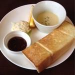 四季 - 料理写真:モーニング*トーストセット
