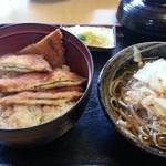 小川家 - 料理写真:チキンカツ丼、越前そばのセット