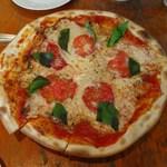 ペッシェ - マルゲリータ(トマト&バジル&モッツァレラチーズ)