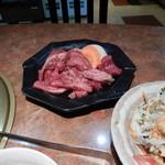 美味肉家 能勢 - 切り落としランチご飯大盛り(無料)1200円のお肉