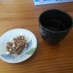 19437153 - 蕎麦茶と、かりんとう