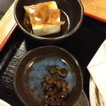 てんしん - てんぷら定食(1,000円)の小鉢・漬物