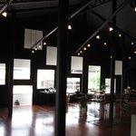cafe純喫茶style - 内観写真:ギャラリー「ファイブ・ペニイズ」と併設カフェスペースです。2008年度グッドデザイン賞受賞。