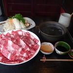 水ひき亭 - 人気コース「牛肉一皿と豚じゃぶ肉食べ放題」(90分、3000円)
