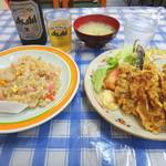 大連ラーメン - 肉てんぷら・炒飯セットとビール
