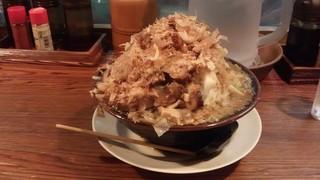 ラーメン・つけ麺笑福 米子店 - 豚入りラーメン(850円)+野菜まし、カツオまし