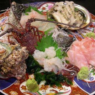小田原で魚料理を食べるなら、創業30年魚料理ひと筋の魚隆へ!