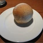 トラットリア リオコルノ - 自家製パン