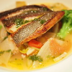 ラトリエ ド ルキャン - おすすめランチコースのメインの魚料理